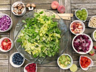 Basische Lebensmittel helfen beim Entschlacken