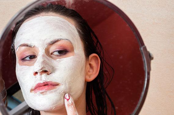 Akne behandeln bei empfindlicher Haut am besten mit Mitteln aus der Natur