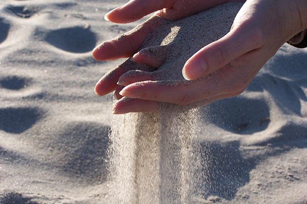 Schöne Hände brauchten regelmäßige Pflege
