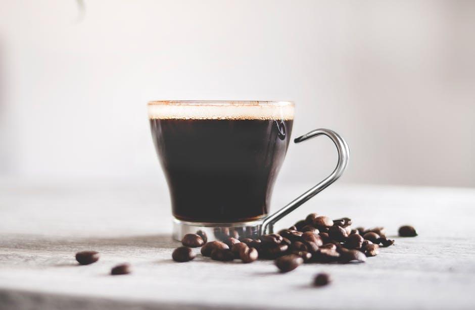 Koffein im Kaffee kann Migräne auslösen