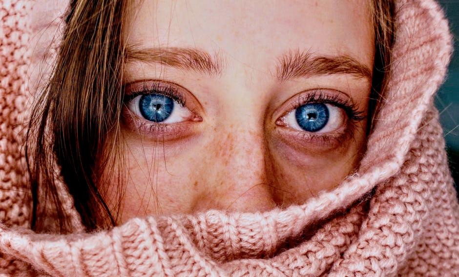 Hautausschlag um den Mund kann durch zu viel Pflege entstehen