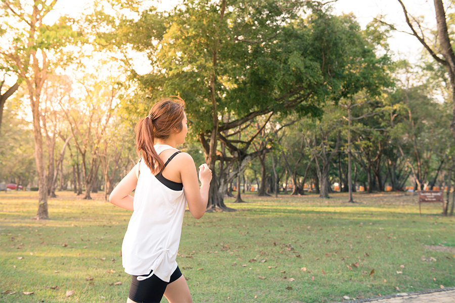 Joggen im Freien kann man auch bei Heuschnupfen