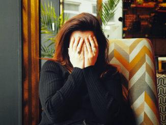 Kopfschmerzen werden durch Magnesiummangel begünstigt