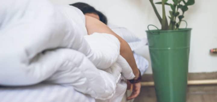 Wer schlecht schläft, sollte die Möglichkeit von Magnesiummangel ausschließen